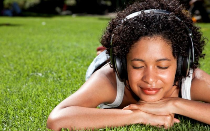 Know how music can uplift your mood